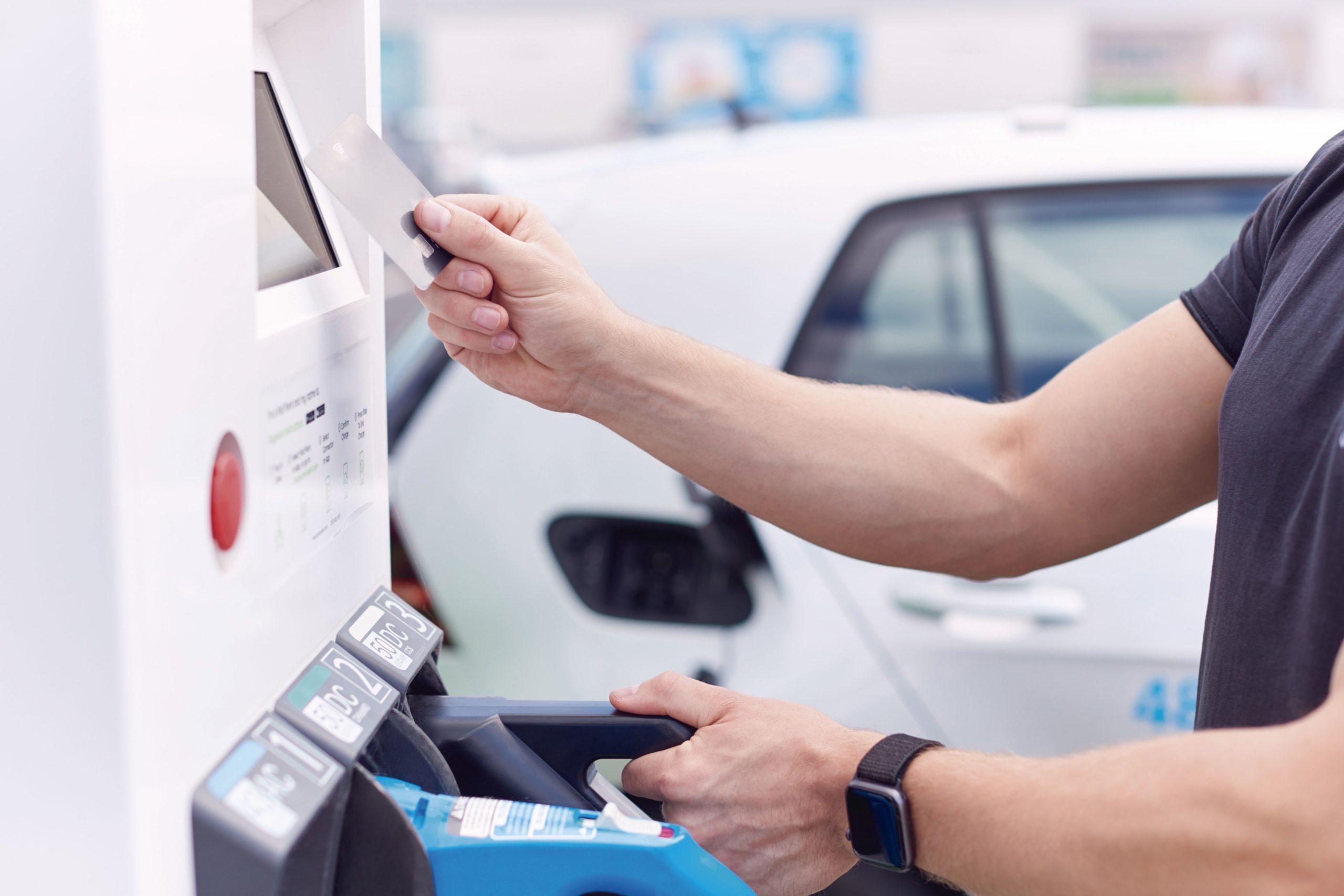 pagar con tarjeta la recarga del VE