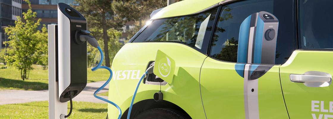 recarga vehiculo eléctrico con cargador vestel